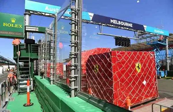 Coronavirus cancels Miley Cyrus' Australia bushfire relief