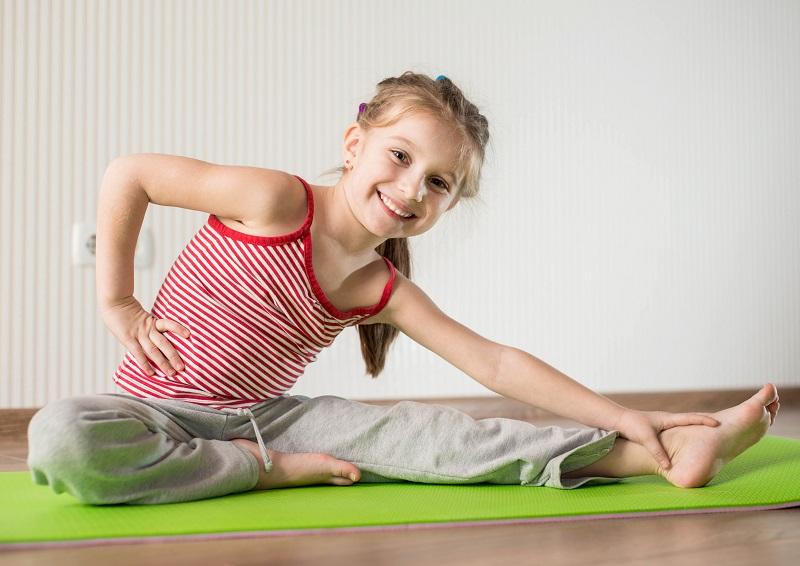 PunjabKesari, child do yoga