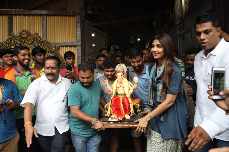 Bollywood Tadka, shilpa shetty ganesha 2019