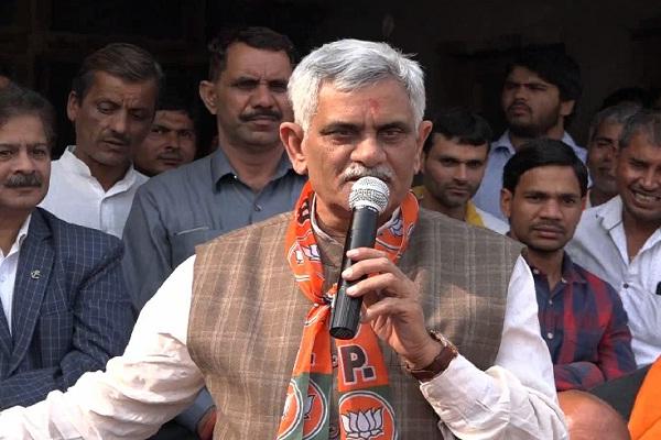 PunjabKesari, manish Grover, haryana politics