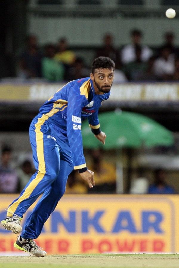 IPL Auction 2018 : Mystery Spinner & Architect Varun Chakravarthy got 8.4 crore