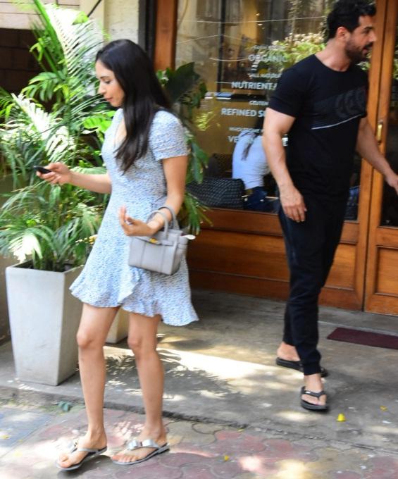 Bollywood Tadka,जॉन अब्राहम इमेज, जॉन अब्राहम फोटो, जॉन अब्राहम पिक्चर, प्रिया रुंचल इमेज, प्रिया रुंचल फोटो, प्रिया रुंचल पिक्चर