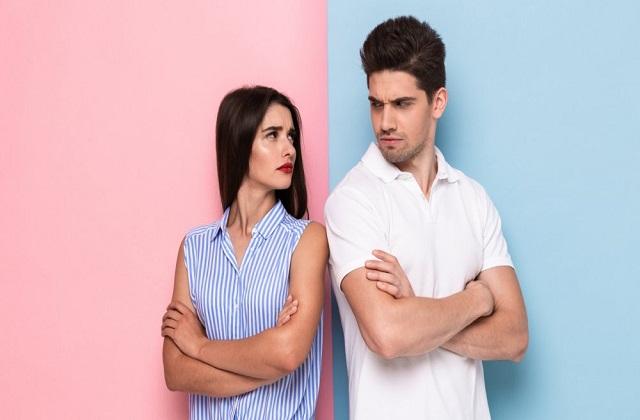 गुस्से में पार्टनर को कभी न बोलें ये बातें, हमेशा के लिए टूट जाएगा रिश्ता -  these things should never say to your partner-mobile