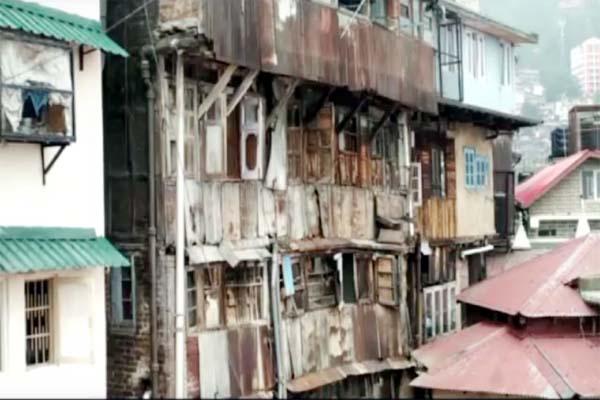 PunjabKesari, Unsafe Building Image