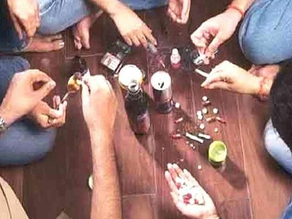 PunjabKesari, Madhya Pradesh News, Katni News, intoxication, Smack, Ganja, Charas, intoxication business, कटनी में नशा