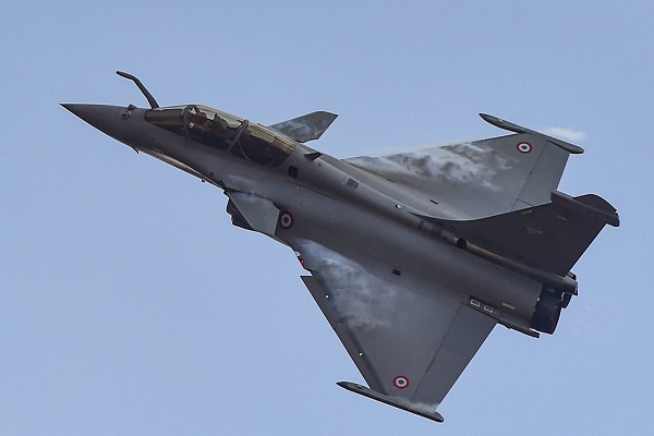 there will be no delay in the supply of rafale