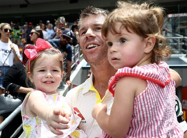 IPL 2019 : David Warner auto Ride with Dauther Evy, Video viral