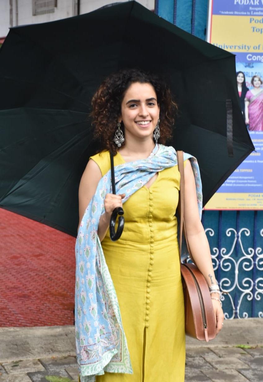 Bollywood Tadka, सान्या मल्होत्रा इमेज, सान्या मल्होत्रा फोटो, सान्या मल्होत्रा पिक्चर