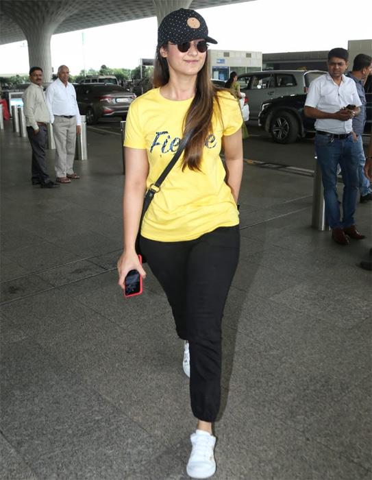 Bollywood Tadka, Ileana d cruzImages