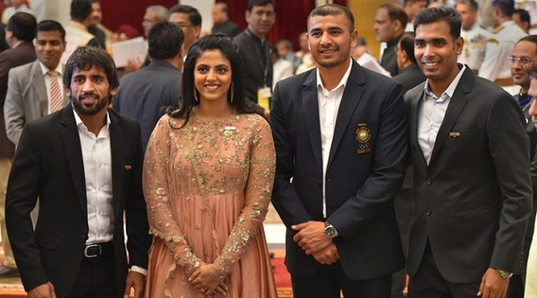 Bajrang Punia, Ajay Thakur honoured by President Ram Nath Kovind