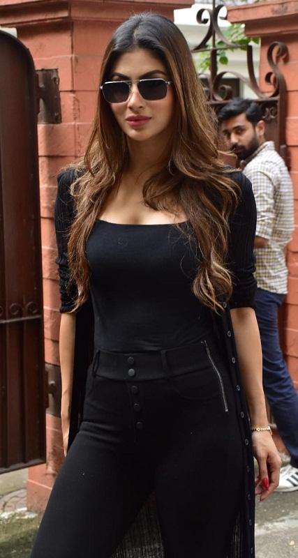 Bollywood Tadka, Mouni Roy Images