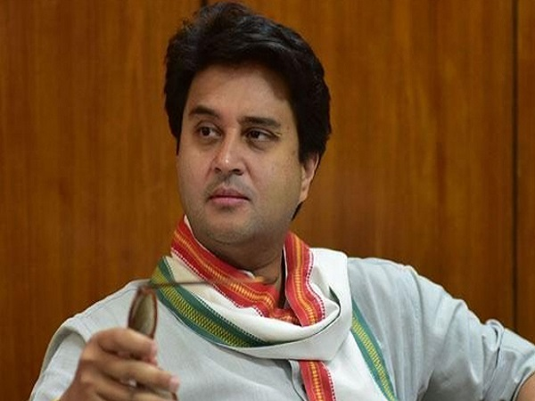 PunjabKesari, Madhya Pardesh Hindi News, Gwalior Hindi News, Gwalior Hindi Samachar, Congress, Miniater, Oath Taking, Jyotiraditya scindia