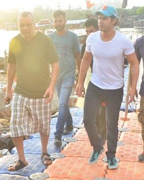 Bollywood Tadka, Varun Dhawan Spotted