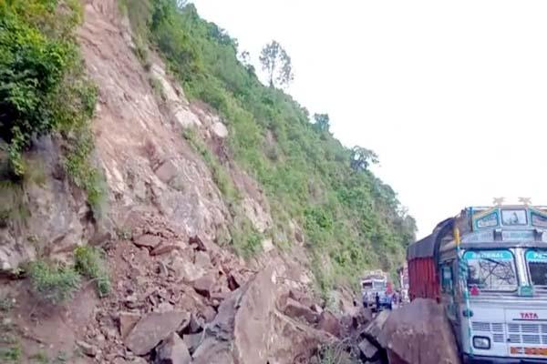 PunjabKesari, Landslide Image