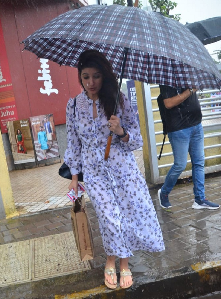 Bollywood Tadka, ट्विंकल खन्ना इमेज,ट्विंकल खन्ना फोटो,ट्विंकल खन्ना पिक्चर