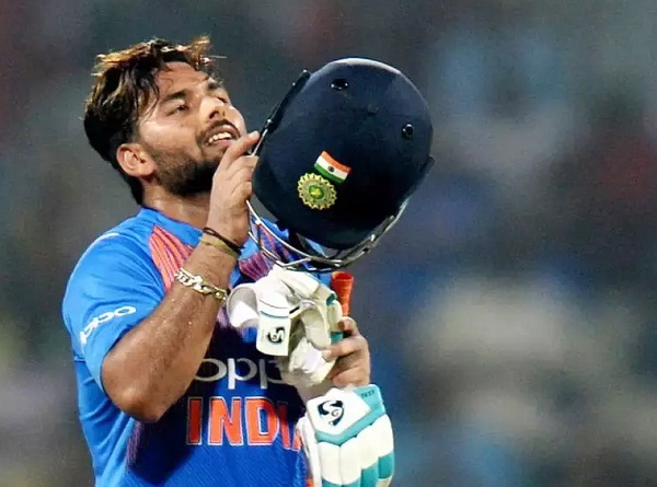 Pant urges people not to compare him with 'legend' Dhoni