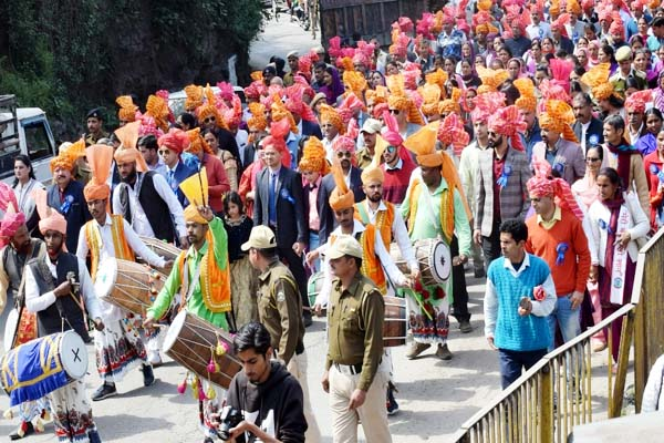 PunjabKesari, Nalwari Fair Procession Image