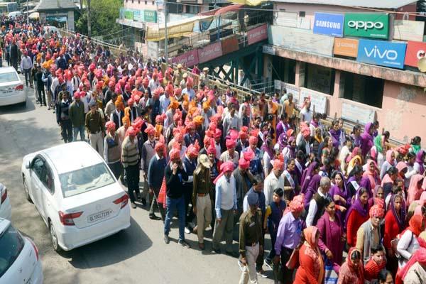 PunjabKesari, Nalwari Fari Procession Image