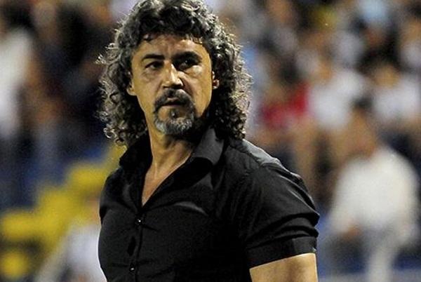 Football coach Leonel Alvarez sacked after affair with star midfielder's wife