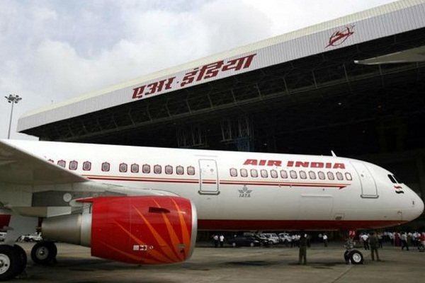 air india delhi moscow flight returns midway
