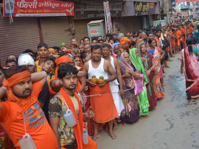 PunjabKesari, Kanvar yatra, Kashi, Sawan, Sawan 2019, सावन, सावन 2019, Savan, Savan 2019, काशी में सावन, कांवड़ यात्रा