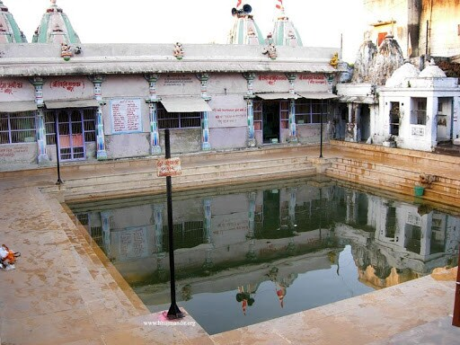 PunjabKesari, Siddhpur Matrugaya Tirth, Gujarat Siddhpur Matrugaya Tirth, Pitru Paksha, Pitru Paksha 2020, Pitri Paksha, Shradh Paksha, pitar tarpan, Sarvpitri amavasy, Saptami Shradh, Saptami Matar Shradh, Dharmik Sthal, Religious Place in india, hindu teerth Sthal