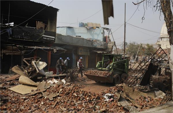 sit to investigate delhi violence dcp joy tirkey dcp rajesh dev to lead