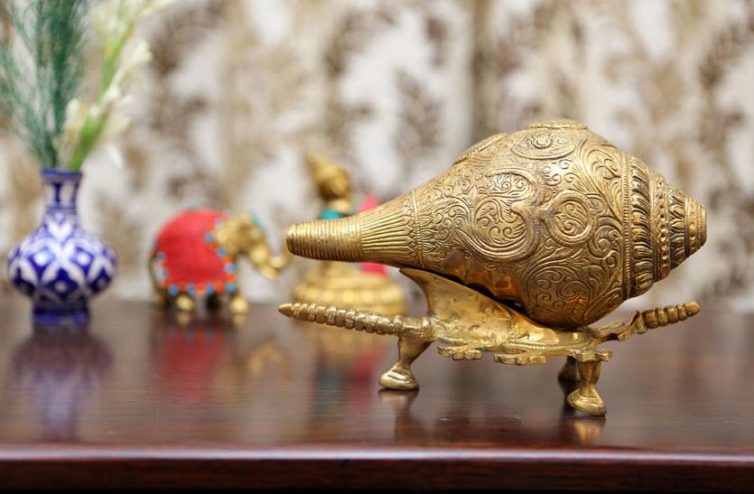 PunjabKesari, Conch, Benefits-of-conch, Vastu Conch, Shell, different types of shankh, advantages of shankh, vastu Connection conch, दक्षिणावर्ती शंख, Vastu Shastra in hindi, Vastu Dosh, Sanatan Dharm Conch, Dharm, Punjab Kesari