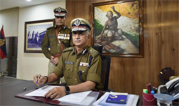 new commissioner of delhi said  murder case will run on rioters