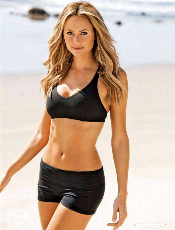 WWE wrestler stacy keibler The Legs of the WWE pregnant again