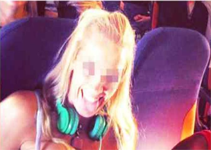topless girl airplane isis attack
