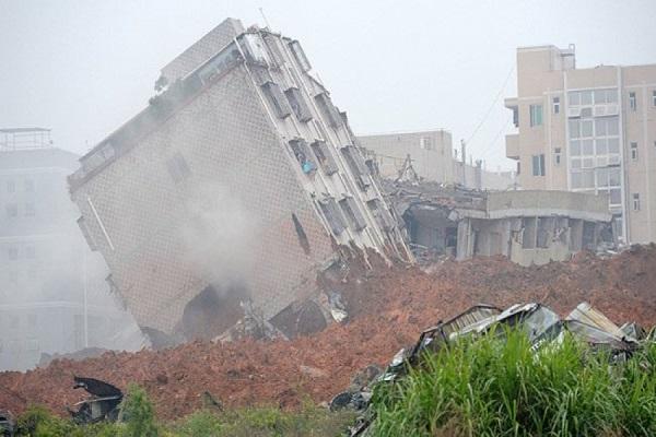 33 building embedded in china landslides 91 missing