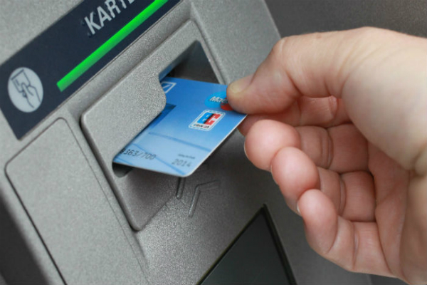 state bank of india debit cards data theft