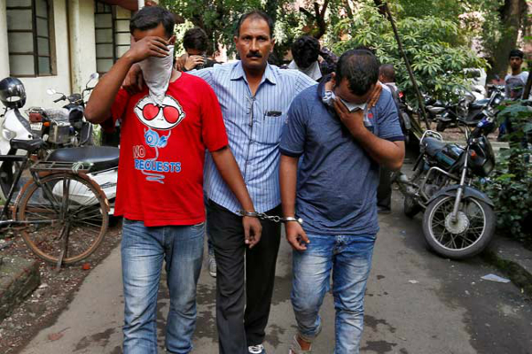 us charges 32 indians in ahmedabad based call centre scam