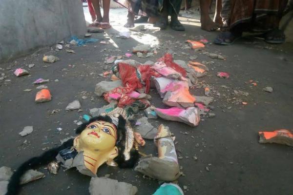 bangladesh 10 hindu temples  100 hindu homes destroyed on diwali