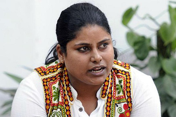 aap lawmaker sarita singh receives threat calls files complaint