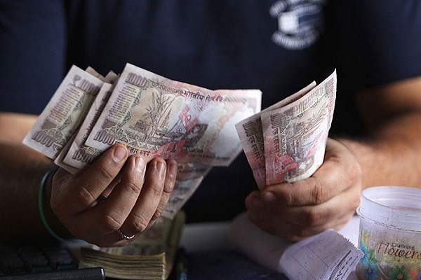 modi government announce 2 percent da for central employees