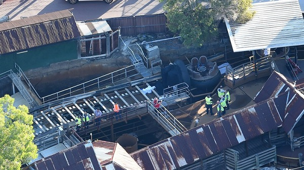 4 killed in theme park accident