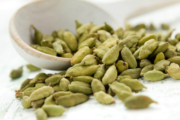 demand for cardamom futures prices rose by 1 32