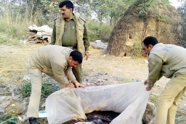 channi beli  mand  police  raw alcohol
