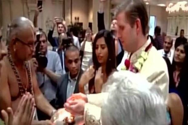trump son attends temple aarti ahead of election day
