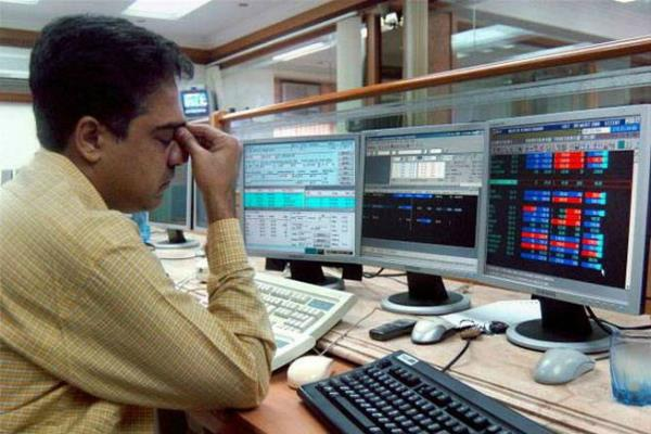 sensex nifty declined by 0 75