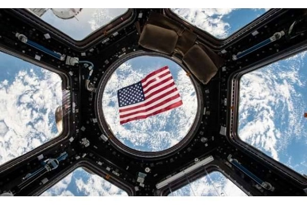 us presidential election  astronaut cast vote from the space