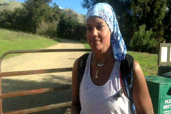 indian american woman attacked as bandana mistaken for hijab