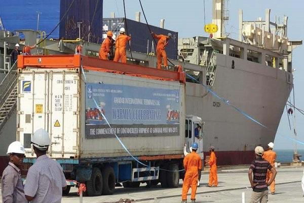 gwadar port open  chinese ship exporting goods