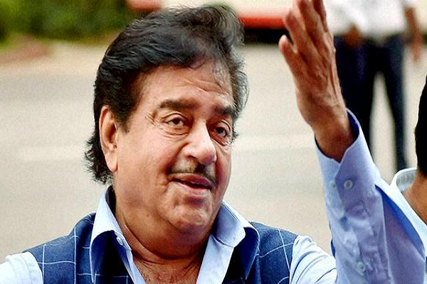 pm took the right decision at the right time  shatrughan sinha
