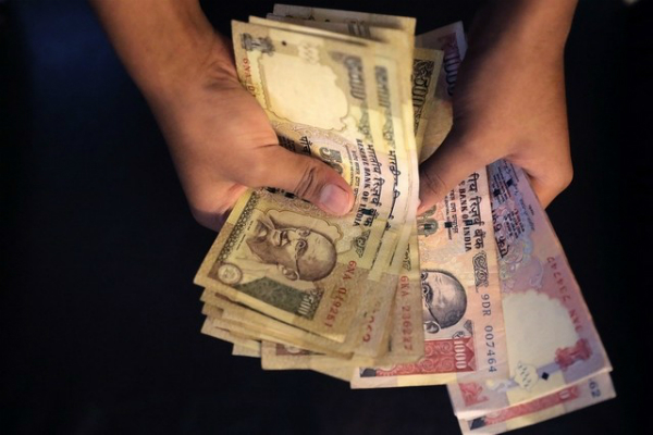 banks to open more counters work extra to exchange rs 500 1000 note