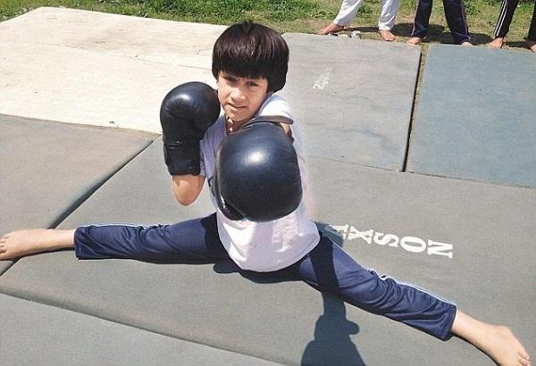 kashmiri girl has become world champion in kick boxing