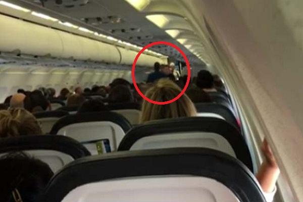 america  pilot forced to intervene when political dispute over trump disrupts flight