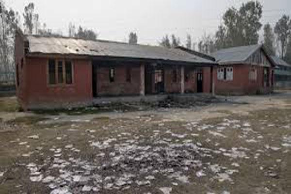 unknown people tried to burn school in kashmir